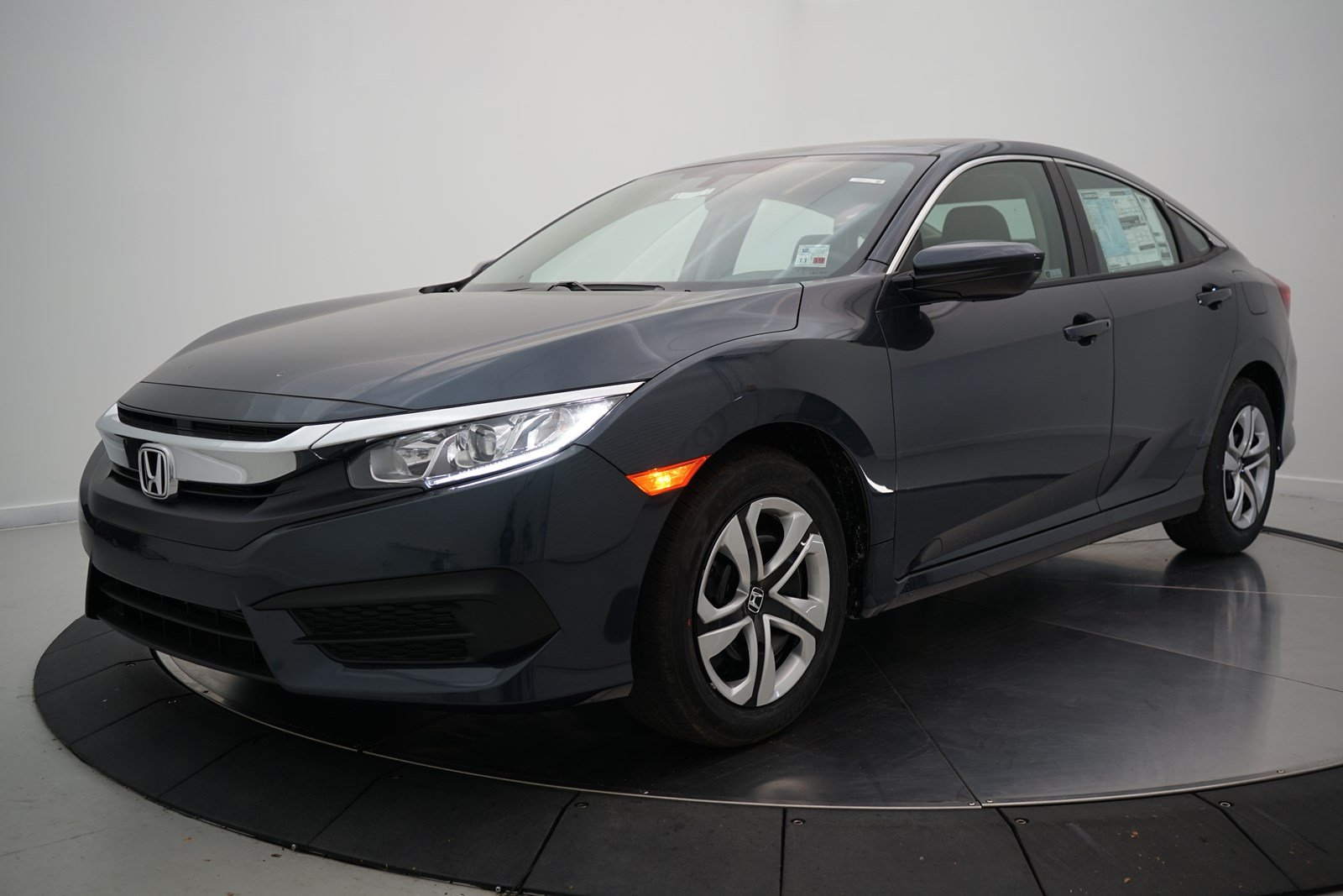 New 2018 Honda Civic Sedan Lx